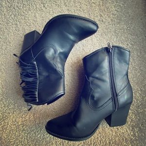 Black Cowgirl Boots with fringe